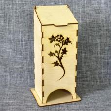 Чайный домик с цветущей веточкой